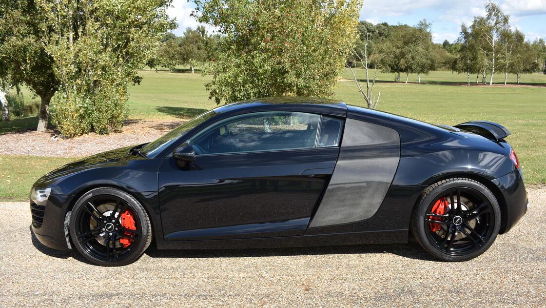 Image for Audi R8 4.2 FSI V8 quattro 2dr